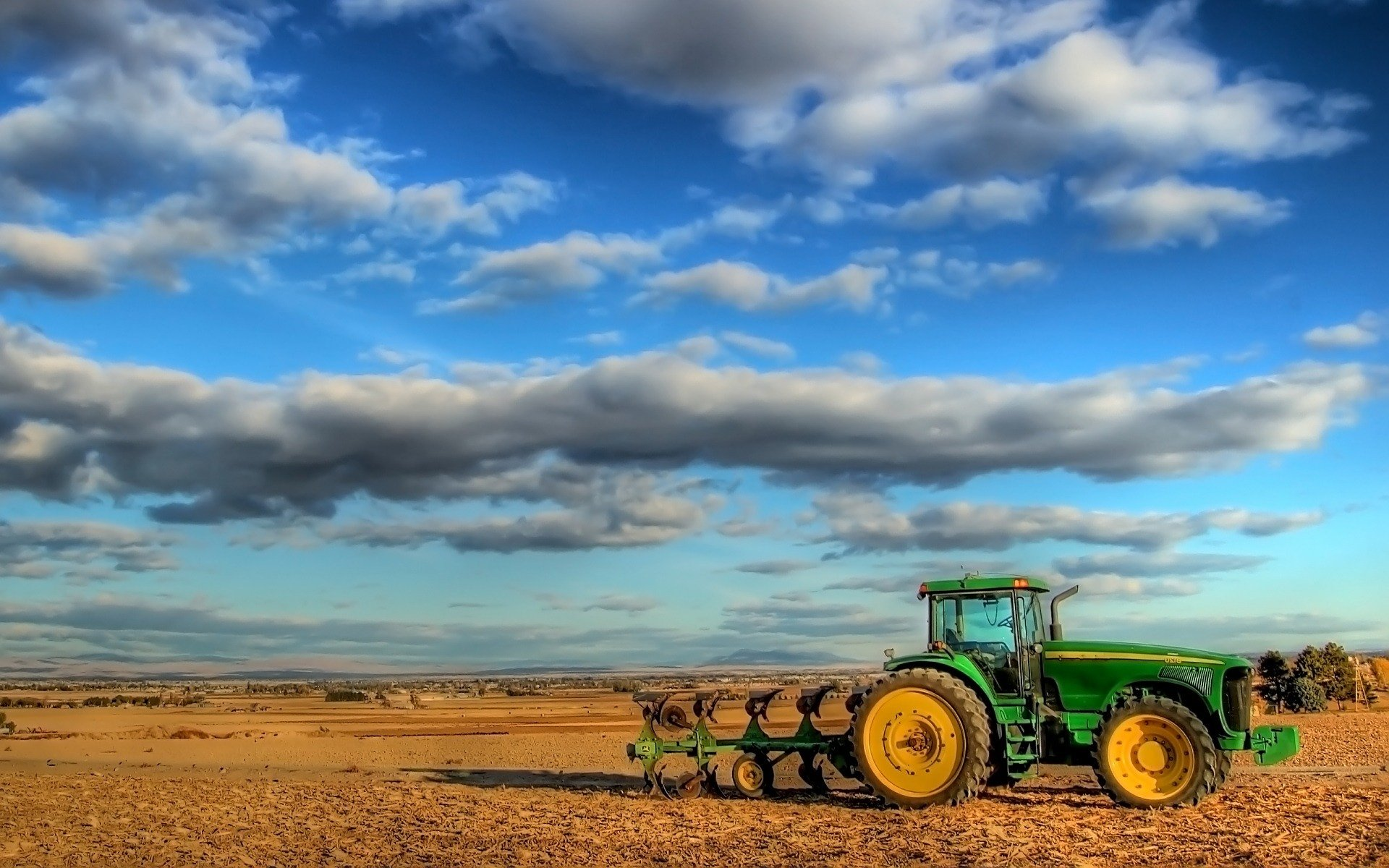 tractor-strana-backgrounds-wallpapers-pozadia-wallpaper-tapety
